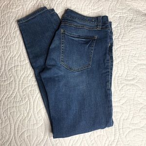 CAbi Jeans Style 918 Size 6 Skinny Jeans